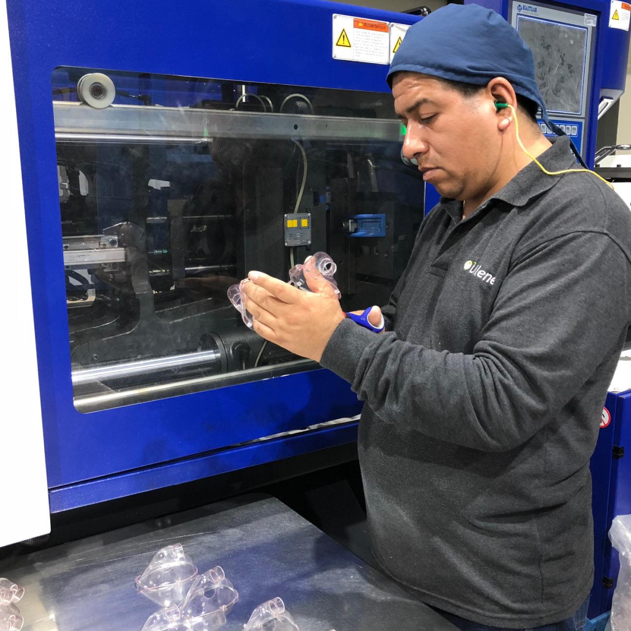 Servicio de inyección de plásticos lima perú. Moldeado de plástico en lima perú